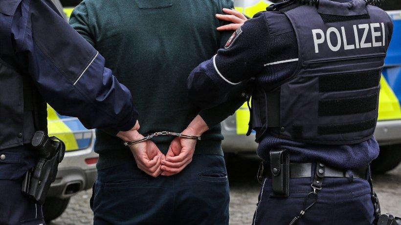 NRW: Mann (44) wegen Corona aus Haft entlassen – Polizei erwischt ihn mit Beil in Einkaufszentrum