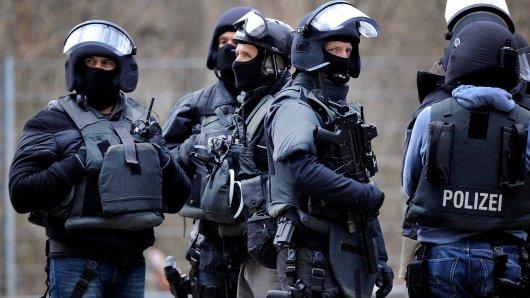 NRW: Ein SEK-Team stürmte die Wohnung des Tatverdächtigen. (Symbolbild)
