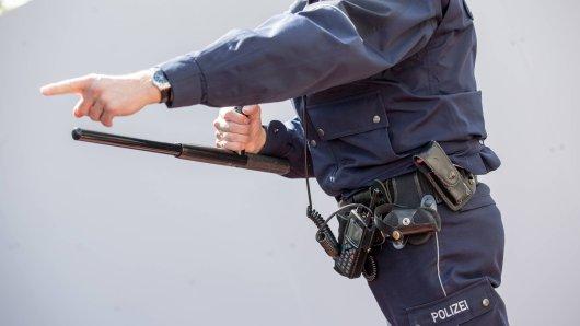 Polizeieinsatz in NRW geriet am Freitag außer Kontrolle! (Symbolbild)