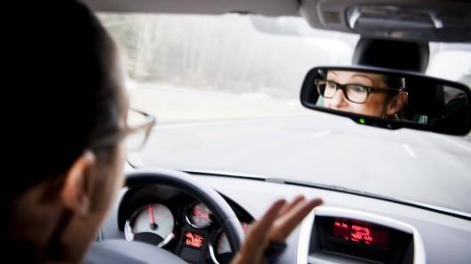 Die Ferien in NRW haben begonnen. Am ersten Ferienwochenende erwartete Autofahrer ausgerechnet DAS. (Symbolfoto)