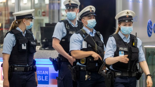 Unglaublich, was Bundespolizisten am Flughafen Düsseldorf entdeckten. (Symbolbild)