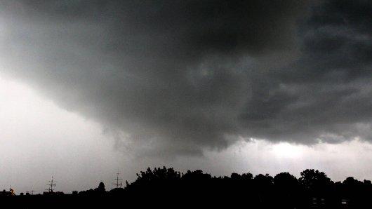 Das Wetter in NRW ist am Wochenende reichlich ungemütlich. (Symbolbild)