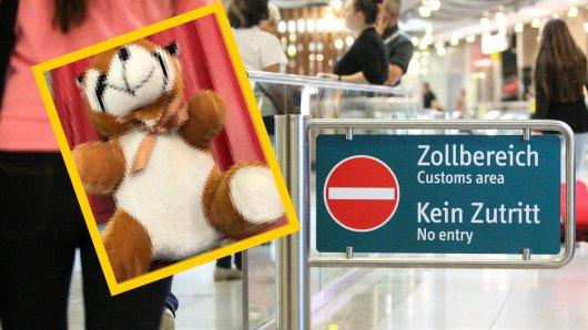 Flughafen Düsseldorf: Eine auffällige Naht am Rücken eines Stofftieres ließ die Zöllner etwas genauer hinsehen.