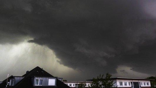 Wetter in NRW: Am Samstag drohen Gewitter in Teilen des Landes. (Symbolbild)