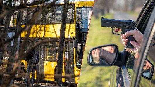 Berlin: Die Frau wartete gemeinsam mit ihrem Sohn auf den Bus, dann fielen Schüsse. (Symbolbild)