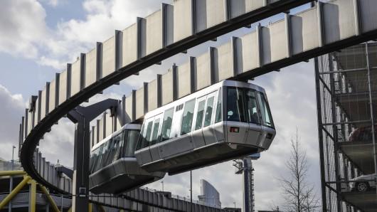 Der Skytrain ist die Kabinenbahn des Flughafens – und die sorgt für Ärger! (Archivfoto)