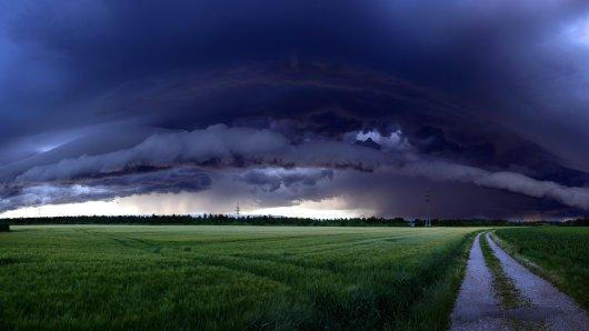 Das Wetter soll wieder ungemütlicher werden. Ein Experte befürchtet nun ein Katastrophen-Szenario!