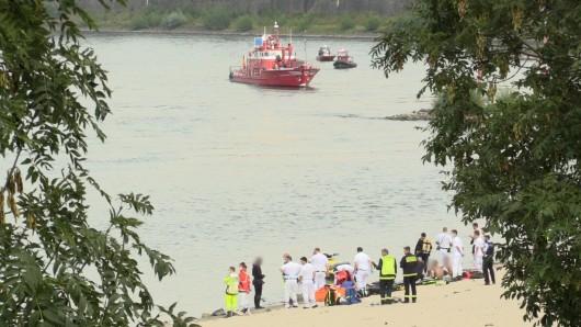 Düsseldorf: Nachdem vor rund zwei Wochen ein junger Mann im Rhein untergangen ist, konnte nun eine gefundene Leiche identifiziert werden.