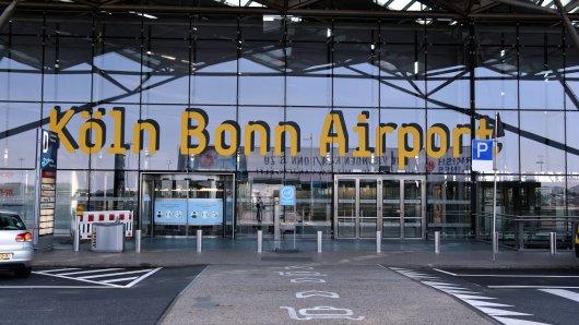 Flughafen Köln Bonn: Diesen Besuch wird ein Mann so schnell nicht vergessen. (Symbolbild)