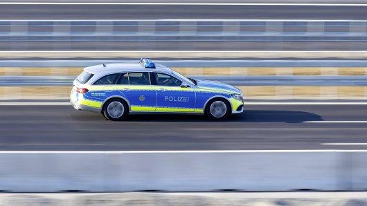 NRW: Ein 16-Jähriger lieferte sich eine Verfolgungsjagd mit der Polizei. (Symbolbild)