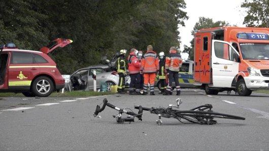 Ein Rennradfahrer kam bei der Horrorfahrt im Norden NRWs ums Leben.