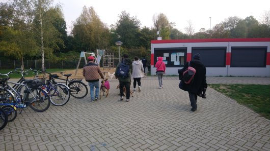 Obdachlose in Düsseldorf: Die Platte auf dem Areal hinter dem Amtsgericht wurde am Montag geräumt.