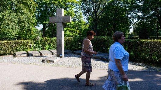 NRW: Zwei Frauen erleben auf einem Friedhof eine schlimme Situation. (Symbolbild)