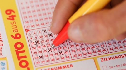 Zwei Spieler aus NRW haben beim Lotto spielen sechs Richtige erwischt! (Symbolfoto)