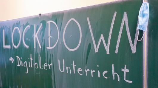 Werden die Abiturprüfungen 2021 in NRW leichter? (Symbolbild)