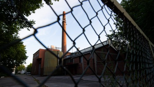 NRW: Auf dem Werksgelände einer Tönnies-Fabrik in Reda-Wiedenbrück soll es zu einer schlimmen Bluttat gekommen sein.