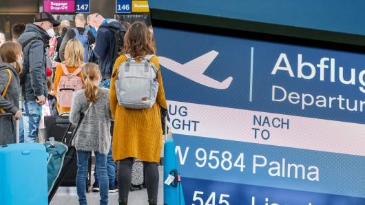 Flughafen Düsseldorf: Ein Mitarbeiter des Airports hat kein Verständnis für manche Mallorca-Touristen. (Symbolbild)