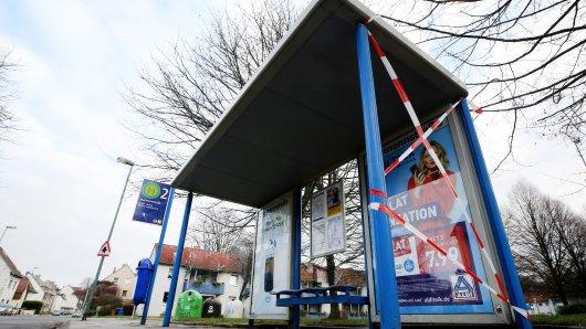 In Bottrop schossen Unbekannte auf zwei Bushaltestellen. (Symbolbild)