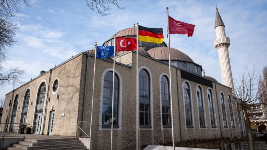 Die Merkez-Moschee in Duisburg-Marxloh ist die größte Ditib-Moschee Deutschlands.