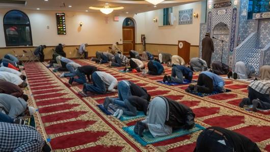 Moslems begehen aktuell den Fastenmonat Ramadan. (Symbolfoto)