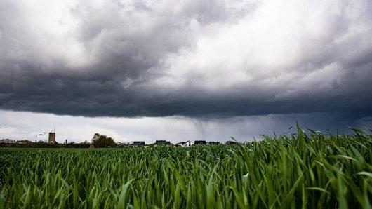 Wetter in NRW: Am Dienstag wird es ungemütlich. (Symbolbild)