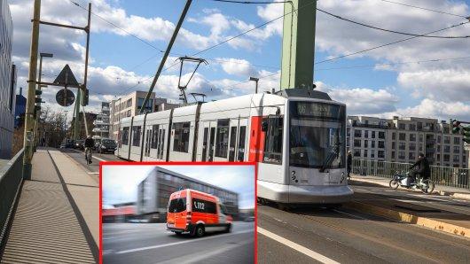 In Düsseldorf hat sich nach einer riskanten Straßenbahn-Aktion ein Mann schwer verletzt. (Symbolbild)