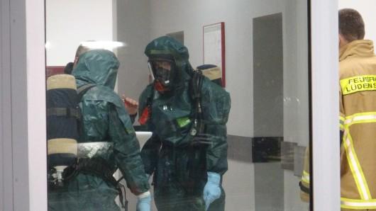 Spezialkräfte der Feuerwehr Dortmund wurden zur Kaufland-Filiale in Hamm gerufen.