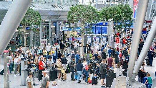 Am Düsseldorfer Flughafen herrscht Hochsaison.