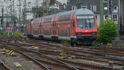 Am Montag kannst du kostenlos mit der Deutschen Bahn und anderen Anbietern im VRR-Gebiet fahren. Das Angebot gilt aber nicht für alle.