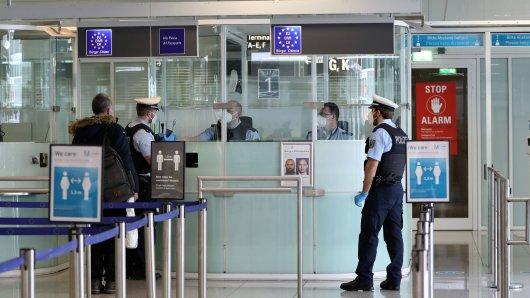 Flughafen Düsseldorf: Die Einreisekontrolle endet nicht gut für einen Mann. (Symbolbild)