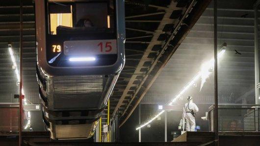 Wuppertal: An den Stationen der Schwebebahn kam Nervengift zum Einsatz.