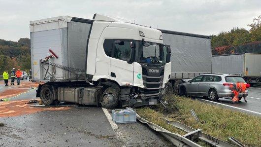 Auf der A1 in Richtung Köln hat es einen schweren Unfall gegeben.