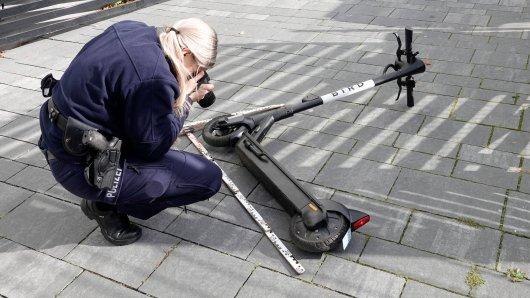 Die Polizei hat immer mehr mit E-Scooter-Unfällen zu tun. (Symbolbild)