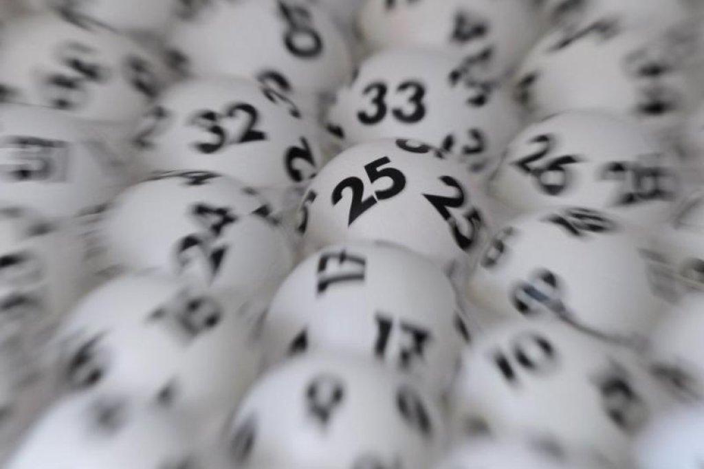 Rekordsumme In Deutschland 56 Millionen Euro Im Eurojackpot Zu