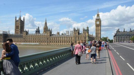 Besucher unter anderem aus Deutschland, Frankreich, Spanien und Italien müssen sich ab 10. Juli bei ihrer Ankunft in England nicht mehr für 14 Tage isolieren.