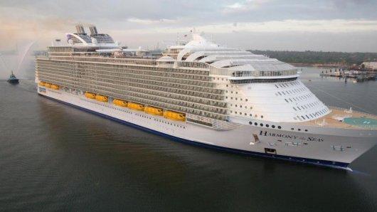 Immer größer werden die Ozeanriesen der führenden Reedereien - auch auf Kosten des Personals?