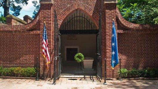 Die Gruft des ersten Präsidenten: George Washington wurde auf seiner Plantage in Virginia beigesetzt.