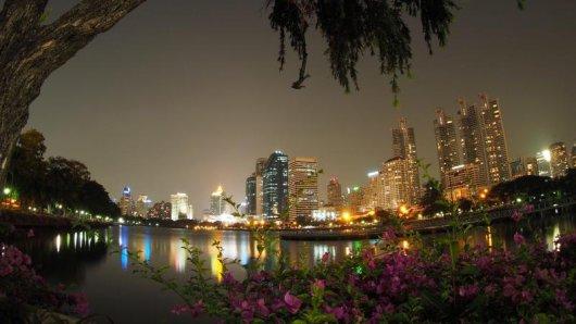Zwischen Bangkok und vier beliebten Reisezielen sollen bald modernere Fernzüge rollen.