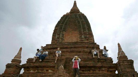 Die buddhistischen Tempel und Pagoden von Bagan ziehen viele Touristen an. Doch wer in Myanmar unterwegs ist, kann die religiösen Gefühle der Einheimischen schnell verletzen.