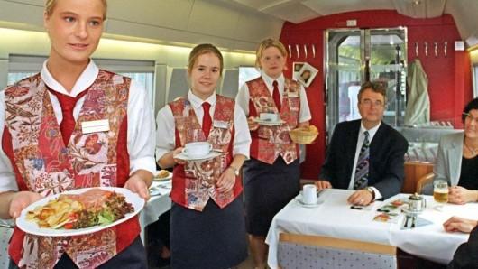Jahrelang verkostete die Mitropa Bahnreisende in Deutschland, Österreich und in der Schweiz. Nach dem Zweiten Weltkrieg bot sie ihre Dienste nur noch in der DDR an.
