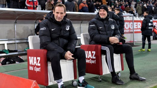 Schonnebecks Coach Dirk Tönnies (links) war stolz auf seine moralischen Sieger