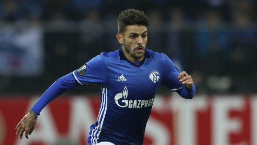 Schalkes Junior Caicara ist geschockt von der Horrormeldung.