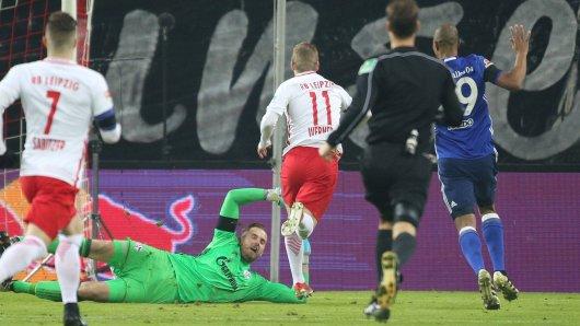 Die Schwalbe von Timo Werner nach 19 Sekunden brachte Schalke in Rückstand.