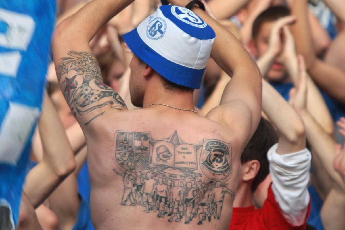 Schalke Die Krassesten Konigsblauen Tattoos Im Netz S04