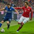 Leon Goretzka und die Schalker treffen am Dienstag auf Mats Hummels und den FC Bayern.