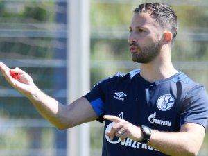 Die Aufstellung des FC Schalke 04: Welche Startelf schickt Trainer Domenico beim nächsten Spiel ins Rennen?