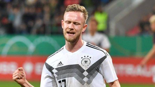 Cedric Teuchert vom FC Schalke 04 zog sich bei der U21 eine Verletzung zu.