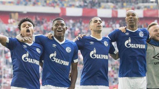 Der FC Schalke 04 trifft am Samstag auf Werder Bremen. Für Naldo (rechts) ist es ein besonderes Spiel.