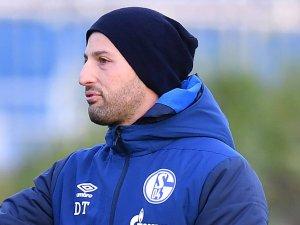 In der Partie von Schalke gegen Wolfsburg muss Domenico Tedesco wohl auf einige Spieler verzichten.