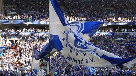 Schalke-Fans planen vor dem Spiel gegen den Hertha BSC wieder eine Fanparty in Berlin. (Archivbild)